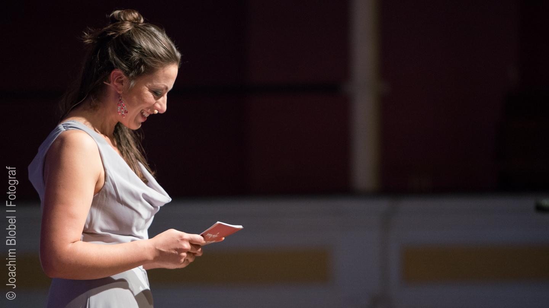 Moderatorin Ellen Schweda
