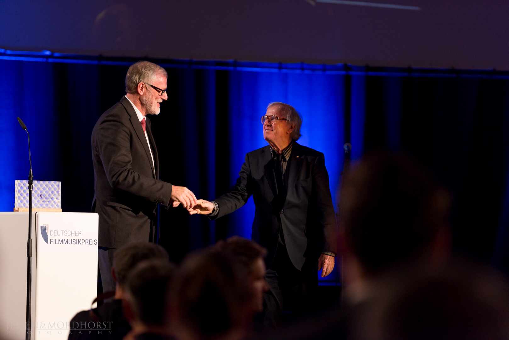 Staatsminister Rainer Robra (Chef der Staatskanzlei des Landes Sachsen-Anhalt und Minister für Kultur), Klaus Doldinger (Ehrenpreis 2016)